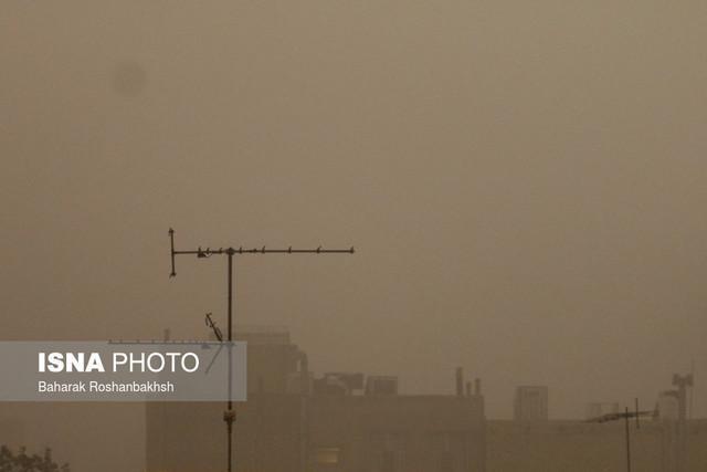 وقوع طوفان در منطقه مرزی مهران یک نفر فوتی و 15 تن مصدوم بر جای گذاشت