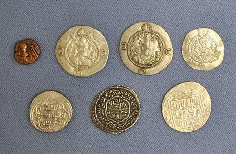 7 سکه تاریخی به موزه خوی انتقال یافت