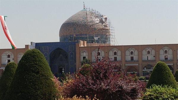 شروع مرحله دوم مرمت گنبد مسجد شیخ لطف الله اصفهان
