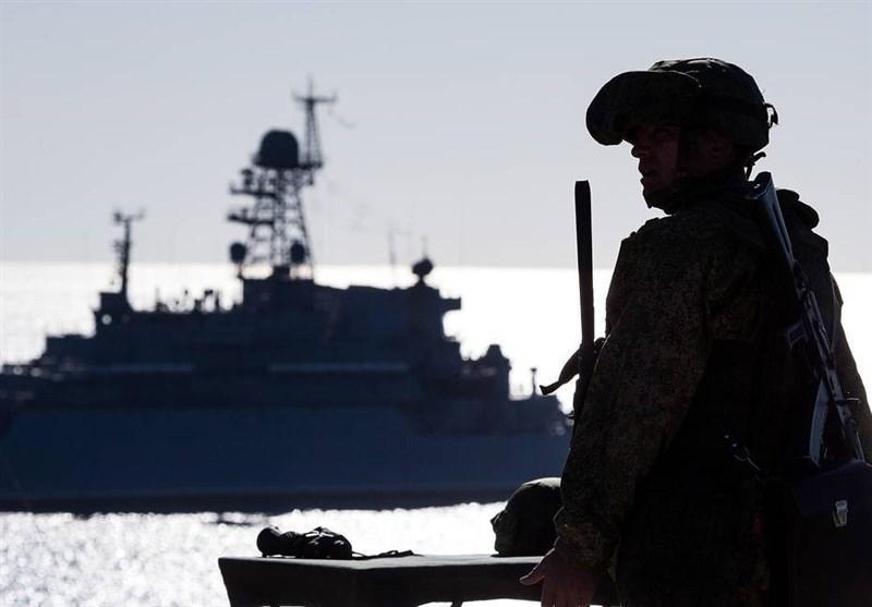 نظارت ناوگان دریایی روسیه بر فعالیت کشتی های آمریکایی در دریای سیاه
