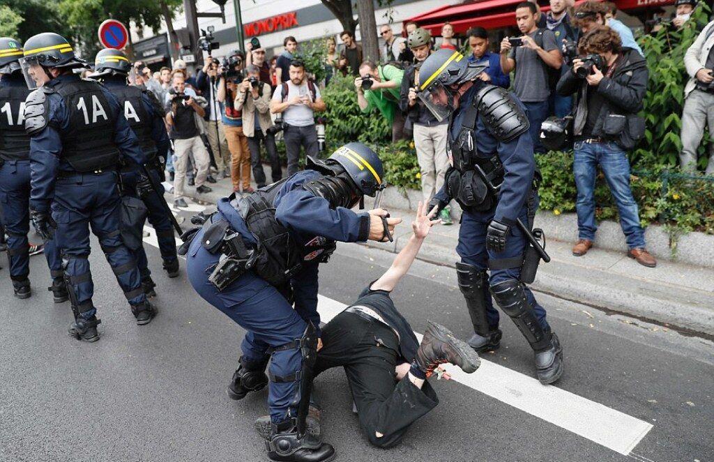 فشار شدید اعتصابات سراسری بر اقتصاد فرانسه ، رشد مالی فرانسه منفی شد