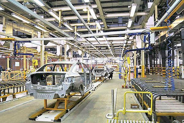 سبد محصول خودروسازان داخلی کوچک تر می گردد!