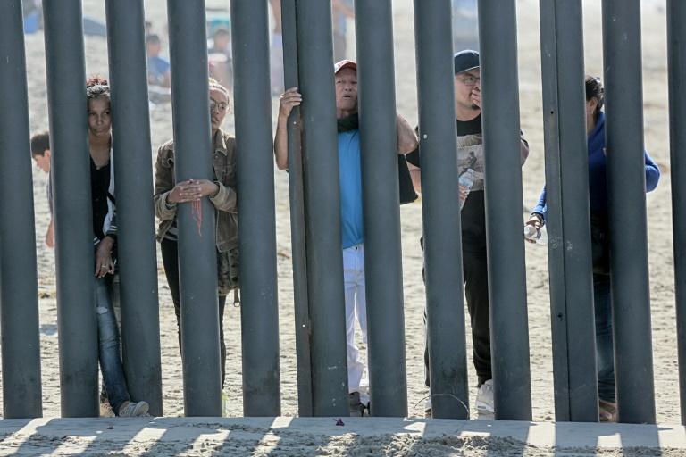 کارشناسان: سرکوب مهاجران اشتغال و دستمزد آمریکا را تهدید می کند