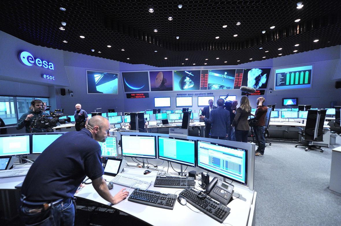 یک فرددر مرکز کنترل آژانس فضایی اروپا کرونا گرفت