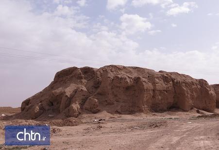 اتمام عملیات معین حریم محوطه تاریخی تپه سرقلعه مامونیه در استان مرکزی
