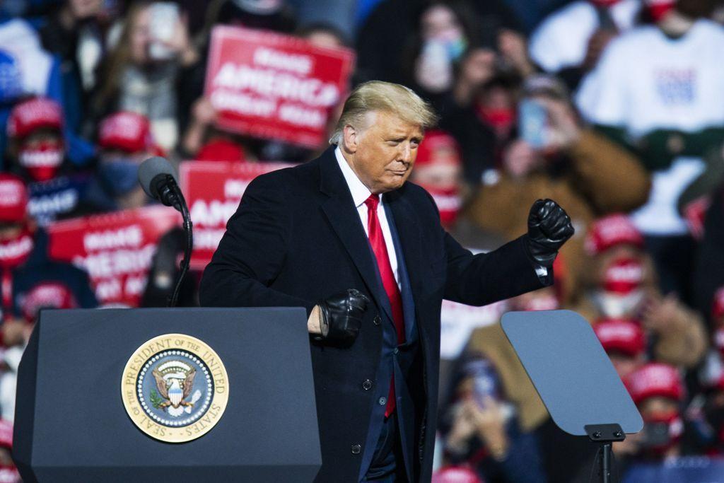 خبرنگاران روایت فاکس نیوز از پیش بینی ترامپ برای غلبه بر بایدن