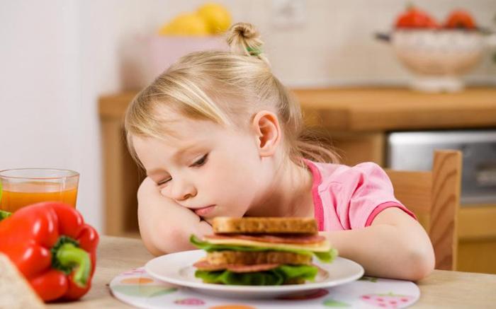 علت بی اشتهایی کودک و راه حلی برای والدین