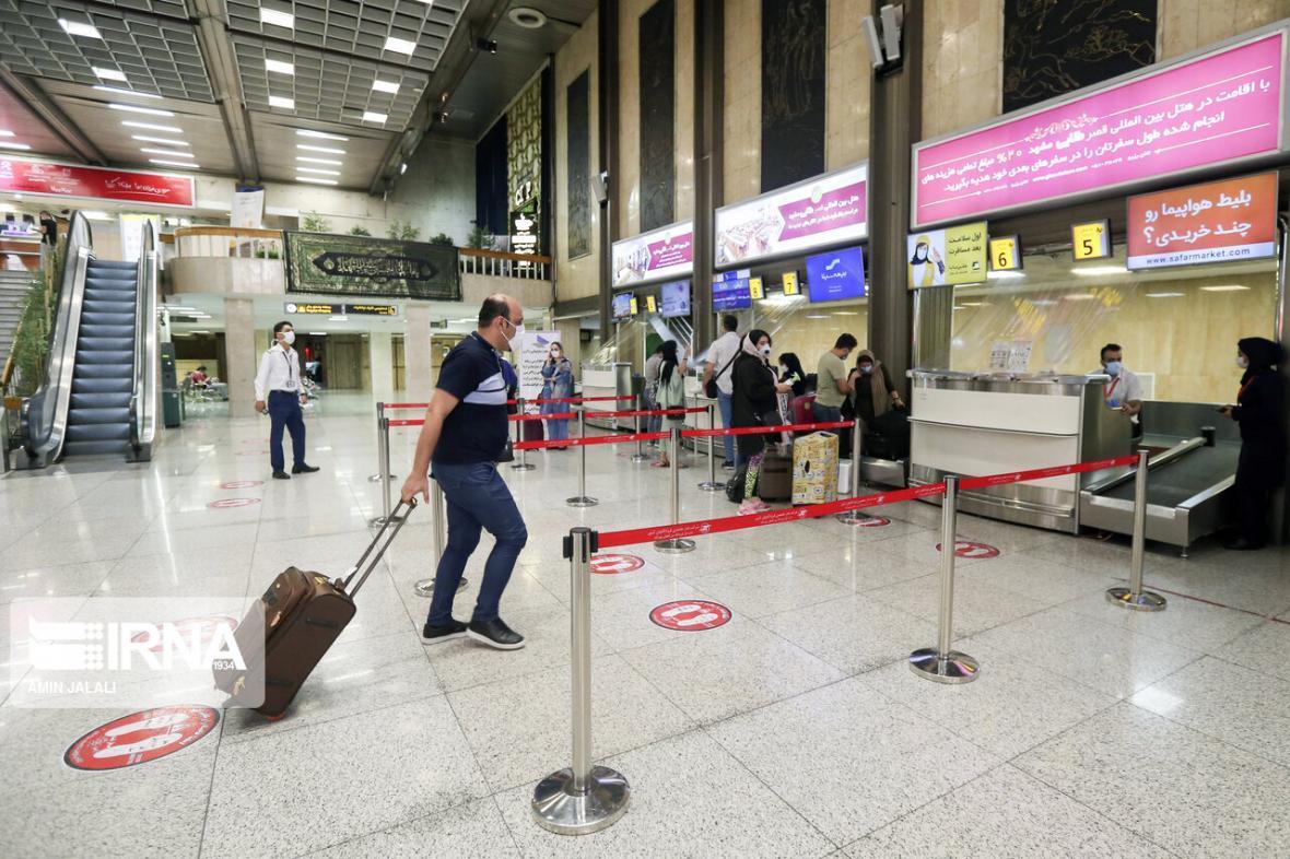 خبرنگاران بازگشت از فرودگاه با وجود صدور بلیط برای مبتلایان کرونا