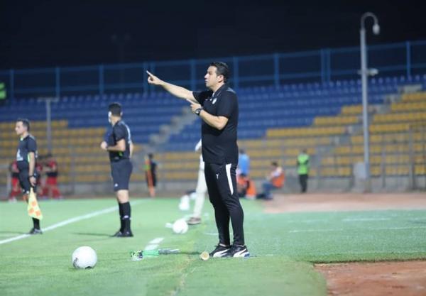 سرآسیایی: تمام حرف خود را در زمین و با زبان فوتبال می زنیم، صنعت نفت 8 بهمن درخواست هتل کرد